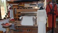 Handgewebtes aus der  Handweberei mi traditionellem Handwebstuhl